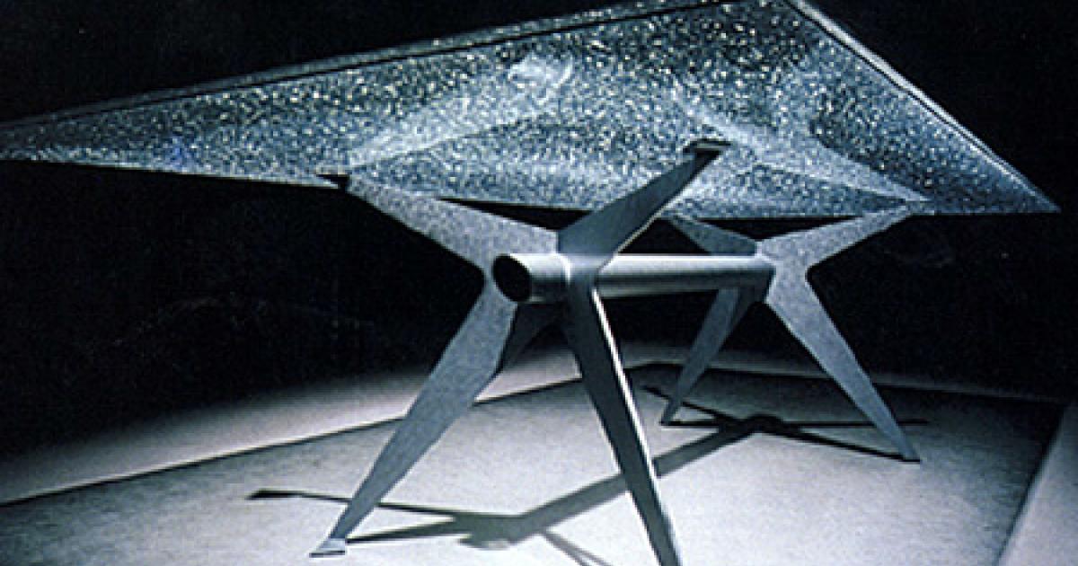 Tafel Van Gebroken Glas.Tafels Marijke De Goey